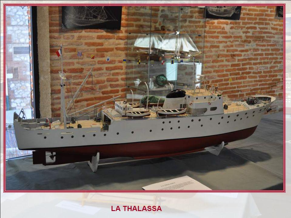 LA THALASSA Navire de découverte de locéanographie, construit aux chantiers Augusta Normand du Havre, en mai 1960, en acier. Ce navire est le premier