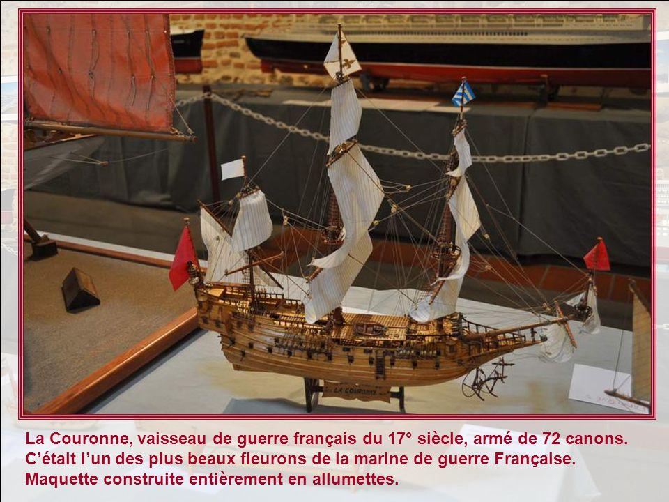 Vous lavez tous reconnue, cest la célèbre Santa Maria, caravelle de Chris- tophe Colomb, navire amiral de lexpédition lancée à la découverte du mon- d