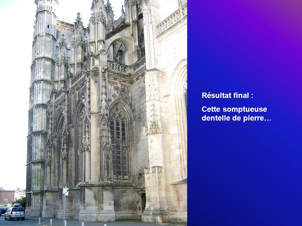 À lemplacement de la collégiale de Saint-Vulfran était à lorigine une église paroissiale.