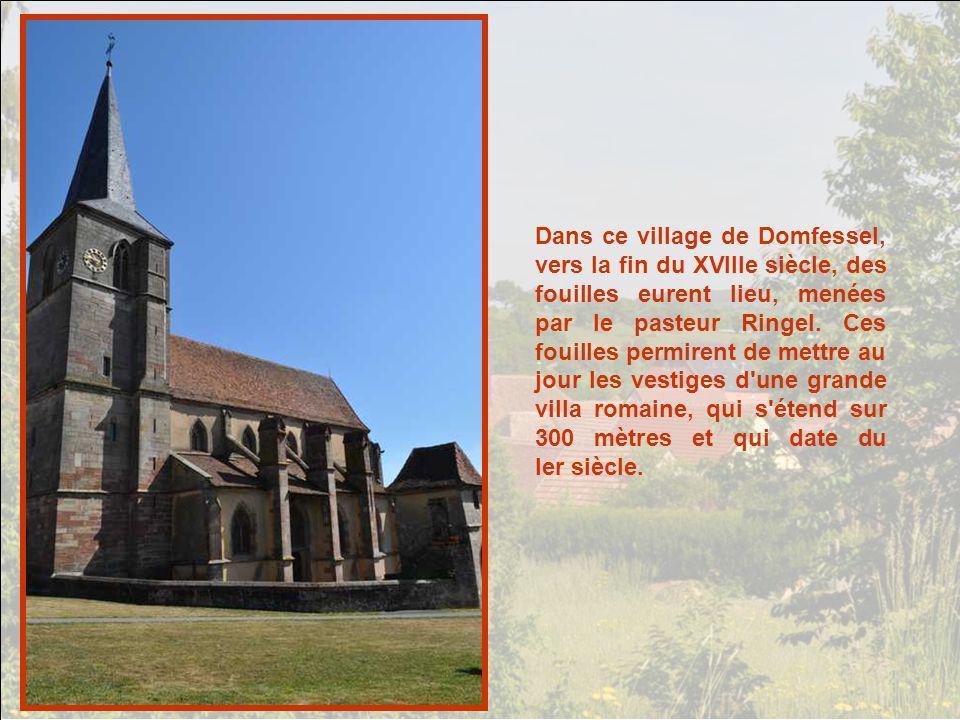 Lorentzen : presque face à face le temple et léglise. LAlsace compte une forte do- minante protestante, mais les deux communautés vivent en paix. Il e