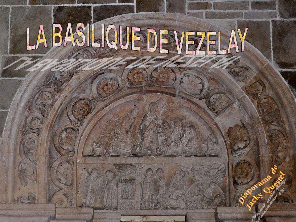 La chapelle de LA CROIX DES PRISONNIERS contient plusieurs statues.