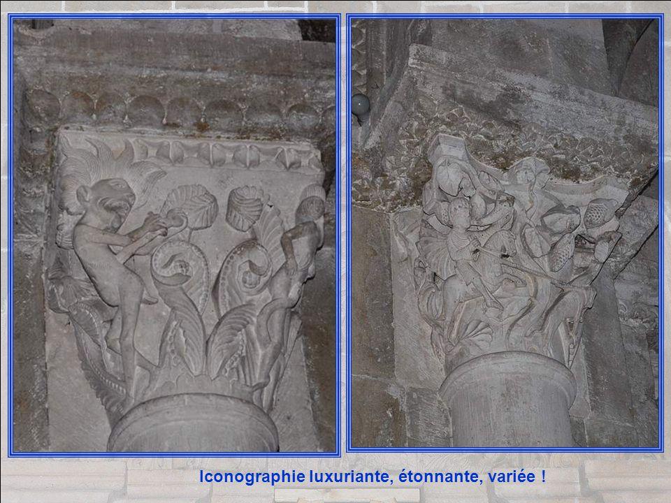 Les chapiteaux sont parfois, mais rarement sculptés de feuillages ; ils sont pour la plupart historiés et représentent une série de thèmes et sujets b