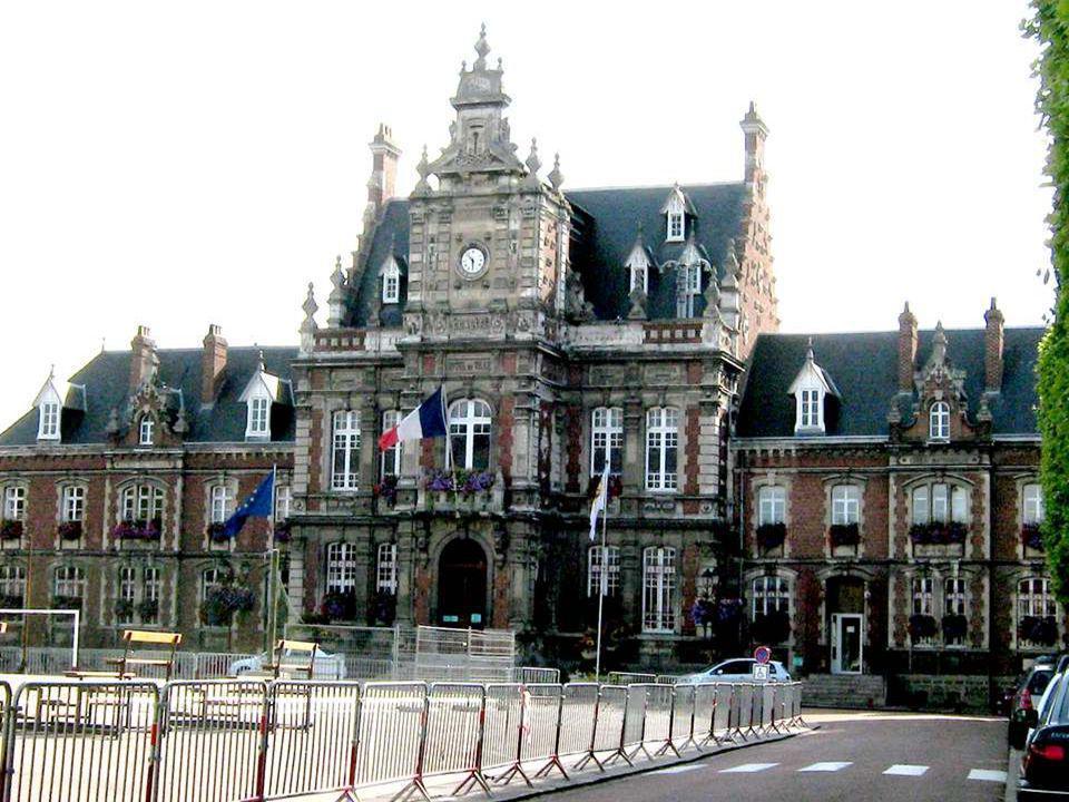 Arques est une ville française, située dans le département du Pas- de-Calais et la région du Nord-Pas-de-Calais. la ville d'Arques est le chef-lieu du