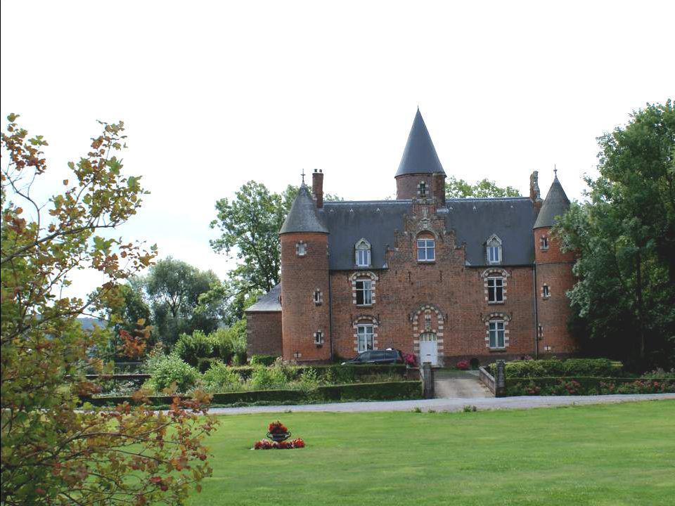 Renescure (Ruisscheure en néerlandais) est une commune française, située dans le département du Nord et la région Nord-Pas-de-Calais. Ruisscheure sign