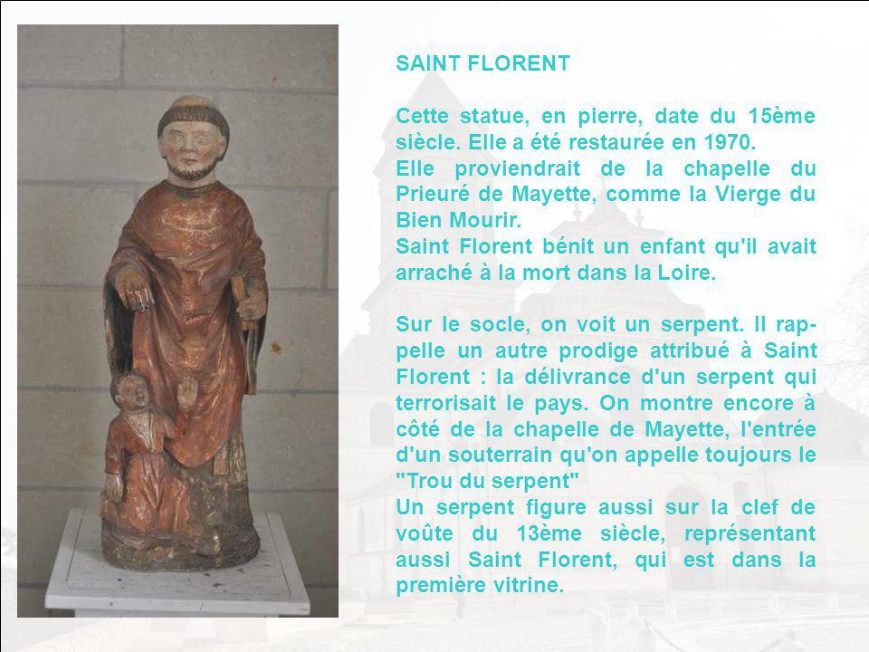 Le rétable représente au centre la Sainte Vierge visitant sa cou- sine Elisabeth et lui disant ces paroles : BEATAM ME DICENT OMNES GENERATIONES - TOU