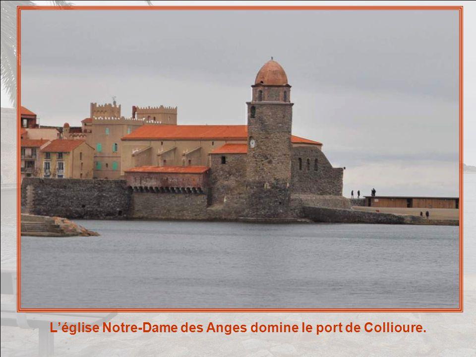 Mais la richesse architecturale de Collioure est très importante, aussi bien dans le domaine militaire que dans le domaine religieux.