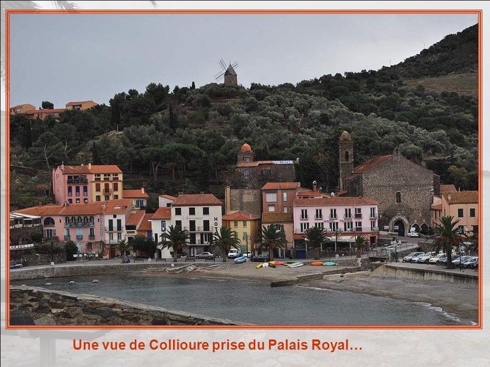 Partout, des rappels de loccupation guerrière et des lourdes batailles qui ont jalonné le passé de Collioure… Ici, la Torre dAvall !