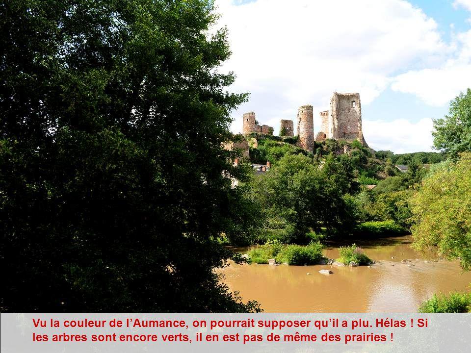 La légende raconte que les habitants de la ville antique de Cordès vinrent s'installer à Hérisson pour se protéger des invasions barbares. Hérisson es