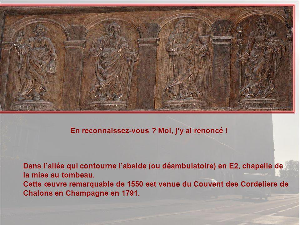 A gauche dans le transept Nord (C) les grandes orgues du XVI° siècle.