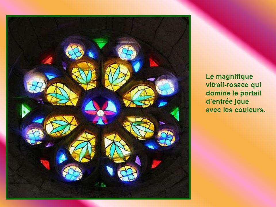 L'église Saint Laurent construite au 12ème siècle, agrandie au 15ème et 16ème siècles de style gothique. A voir son portail style renaissance. Vite un