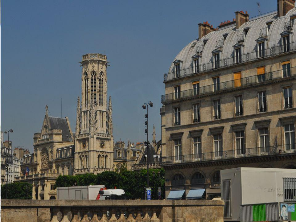 La Tour Saint-Jacques haute de 58 m était placée à l origine sur le côté de l église Saint Jacques de la Boucherie.