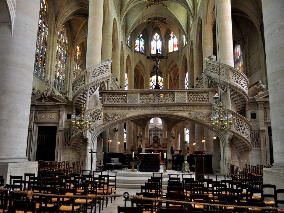 Appelée aussi Eglise Sainte Geneviève, c'est la seule église de Paris possédant encore un jubé. Ce jubé est une