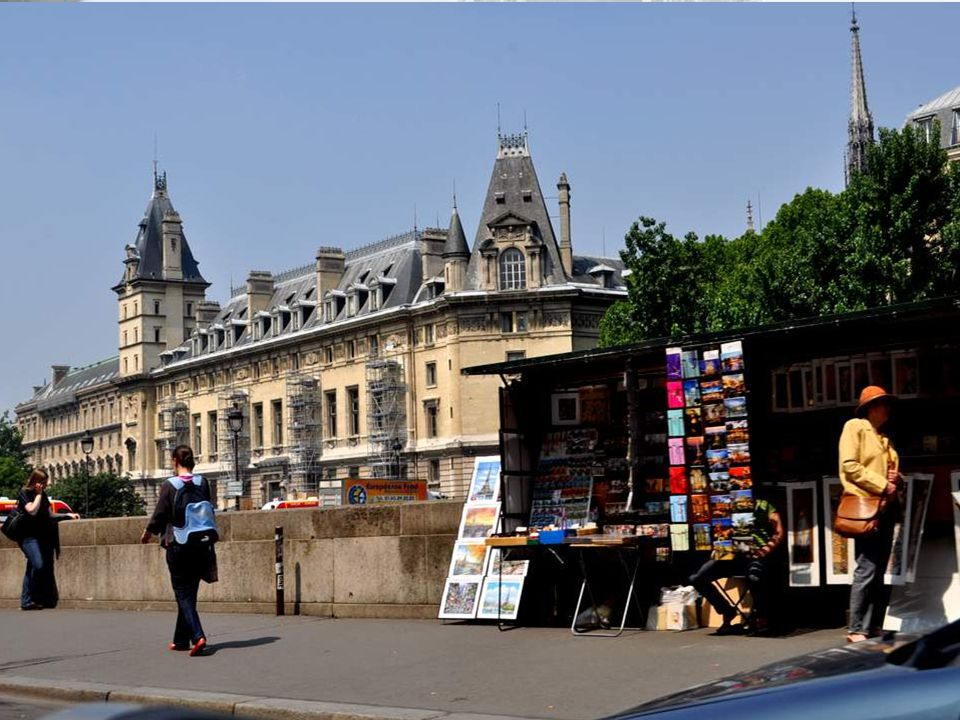 Le 36, quai des Orfèvres est le bâtiment où se trouvent le siège, l'état-major et les services communs de la Direction régionale de la police judiciai