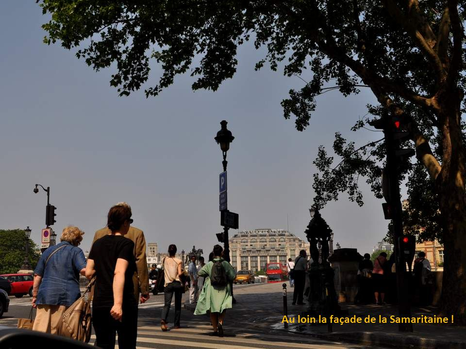 Le pont Neuf est, malgré son nom, le plus ancien pont existant de Paris. Il traverse la Seine à la pointe ouest de l'île de la Cité. Construit à la fi