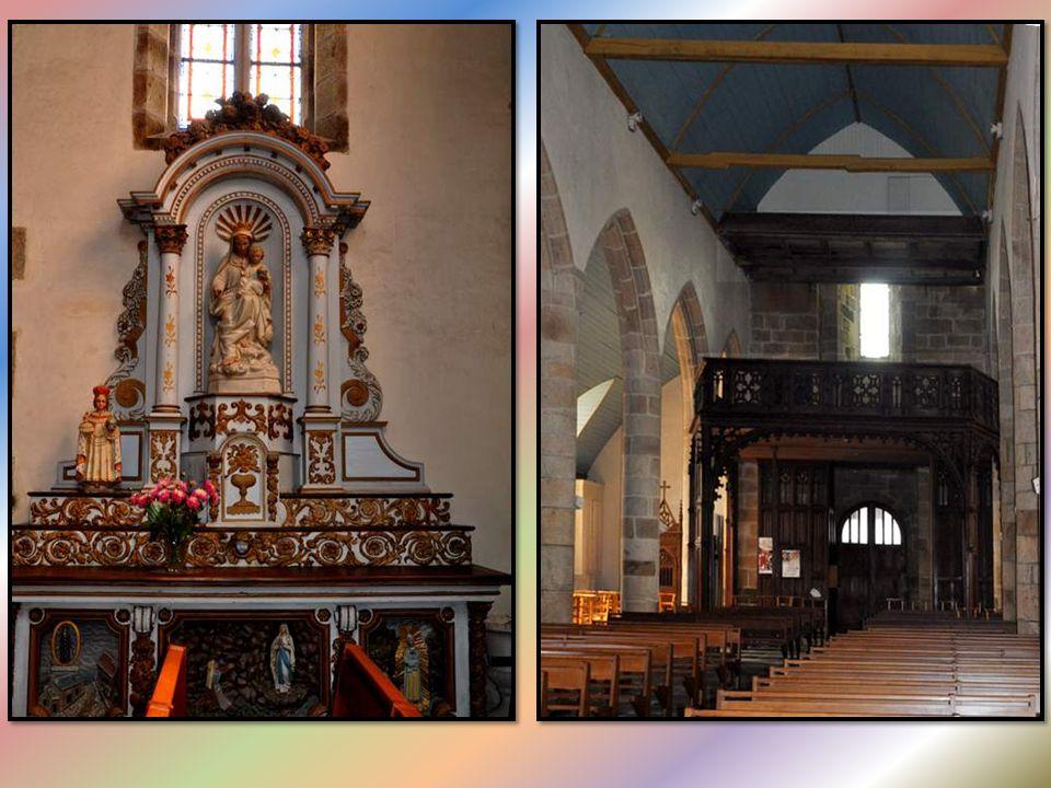 L'église Saint-Pierre, construite dans la première moitié du XVIIe siècle, remplace un édifice élevé aux XIVe et XVe siècles. Ce mur extérieur du tran