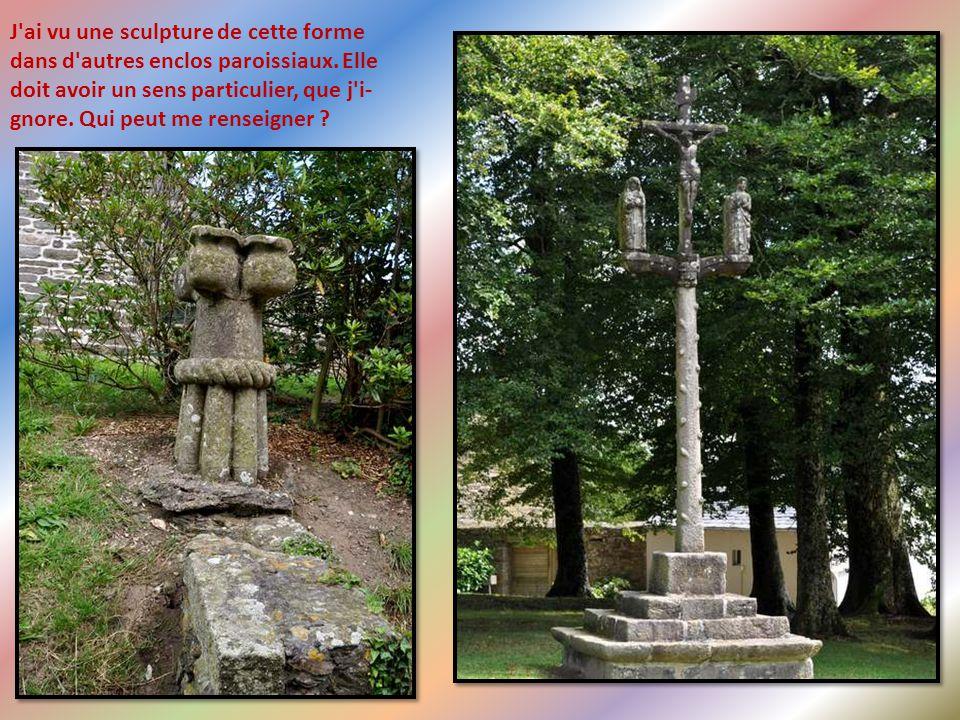 Placée en bordure d'une ancienne voie romaine, empruntée au Moyen Age par les pèlerins du