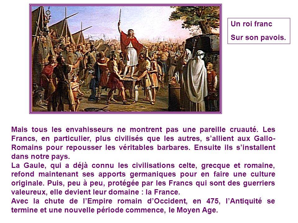 Pillage et massacre par les Goths Cependant, de lautre côté du Rhin, sagitaient depuis toujours des peuples, comme les Burgondes ou les Goths, qui env
