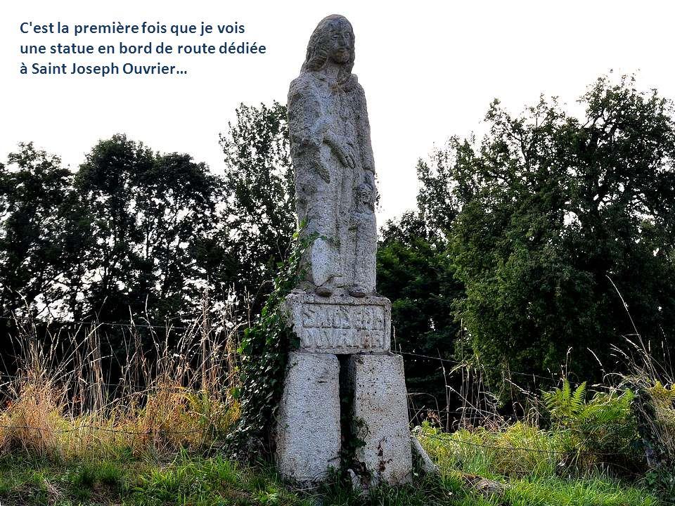 … oui, cette Pieta au visage pres- que serein… Le clocher octogonal…