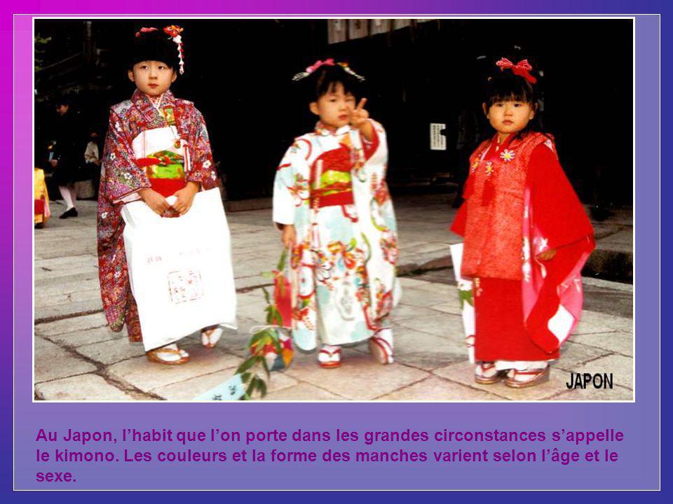Au Japon, lhabit que lon porte dans les grandes circonstances sappelle le kimono.