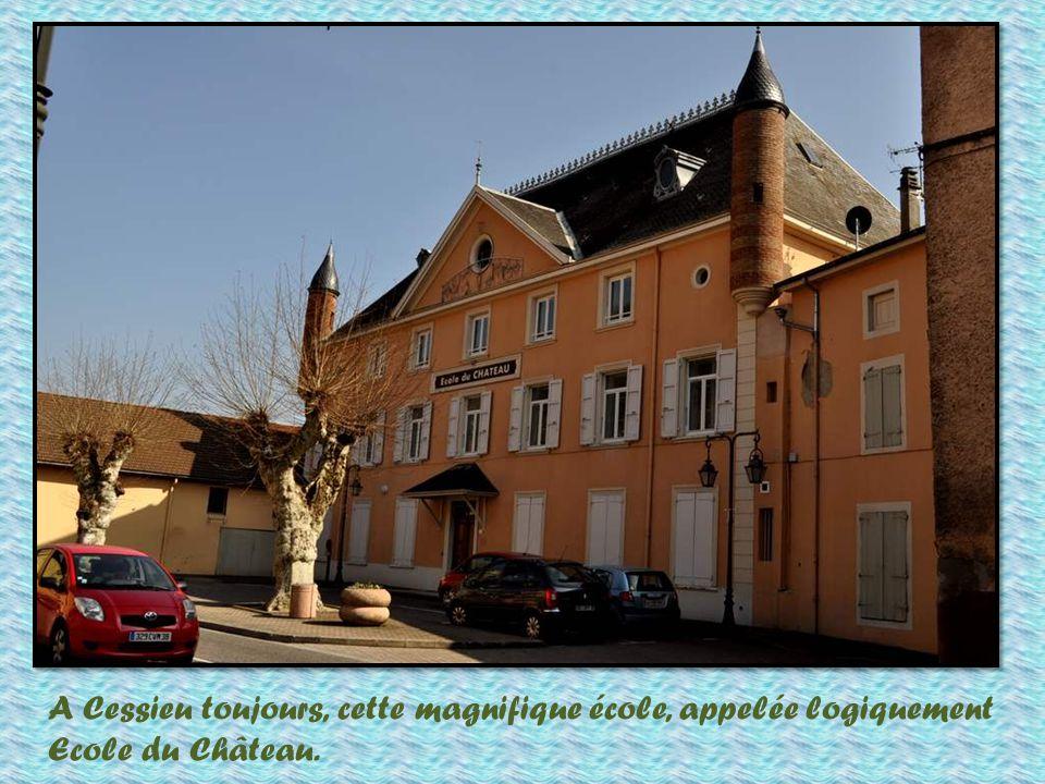 Cessieu est un charmant petit village lové autour de la nationale 6.