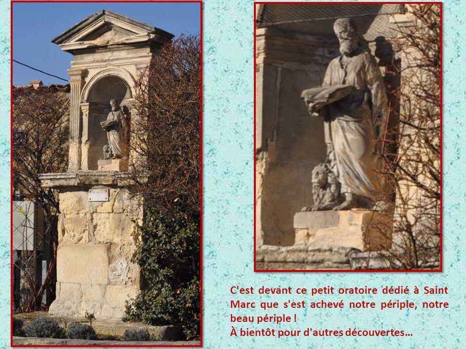 En 1742 un fontainier d'Aubignane, Etienne Régnier découvre une source d'eau vive au quartier des Beaumettes. Cette eau alimentera les premières fonta