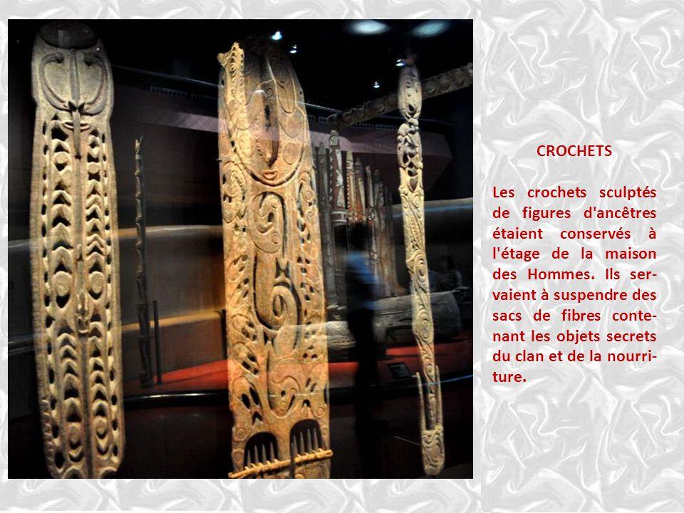 APPUIE-TETE PAPOUASIE-NOUVELLE-GUINEE, bas Sépiil, région côtière et lac Murik. Dans les villages, chaque homme possédait son propre appui-tête orné d
