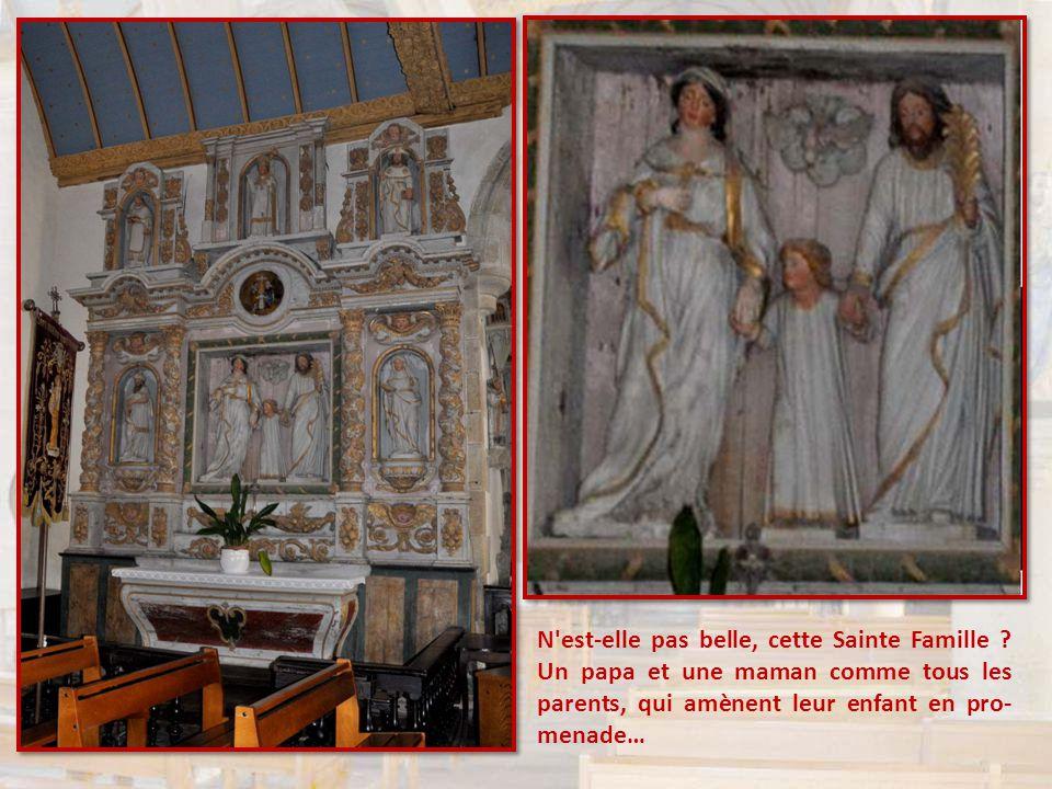 Deux choses m'ont surpris dans cette église : Le foisonnement des personnages. Non seulement les statues, comme dans toutes les églises, mais les peti