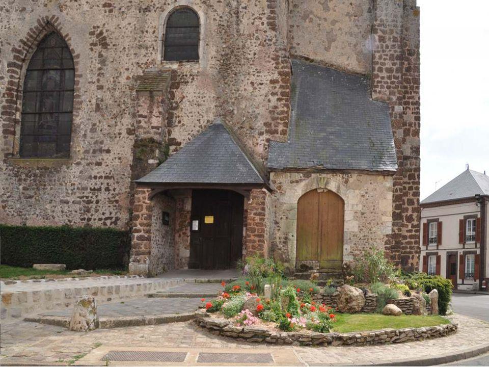 Comme la majorité des églises de la région Centre, la construction de léglise Saint-Lubin remonte proba- blement au XIIe siècle.