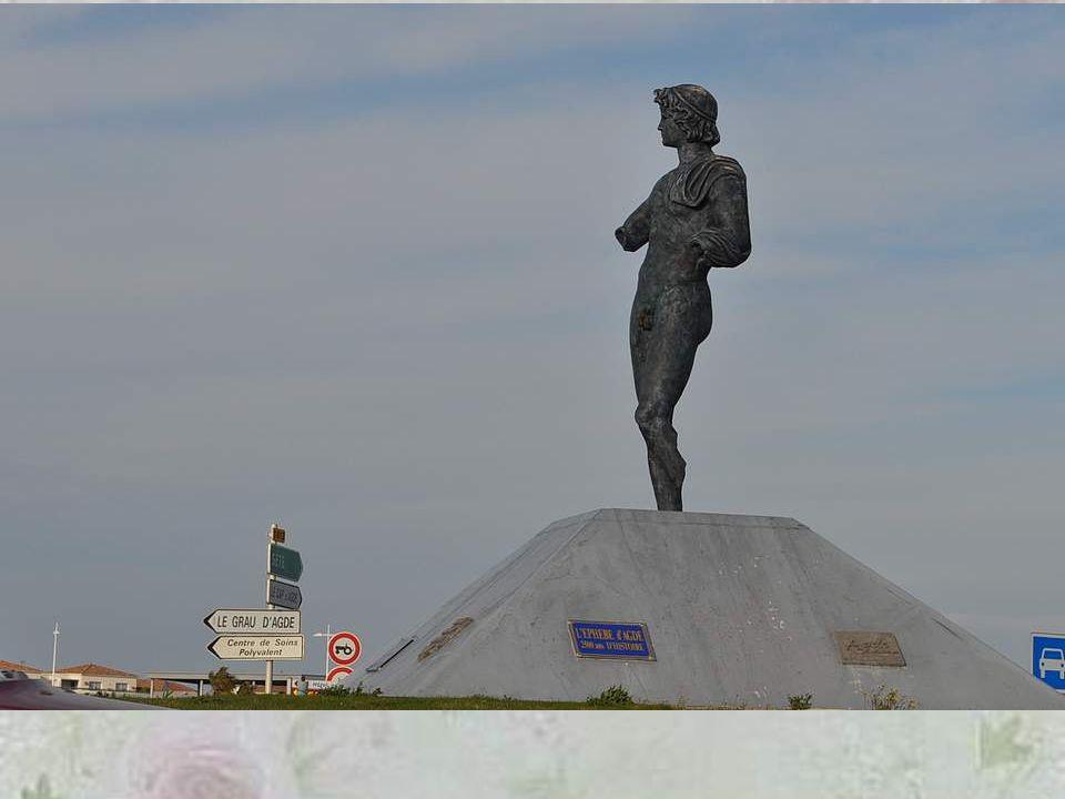 L'Éphèbe d'Agde est une statue antique en bronze, de 1,4 m de haut, datée du IVe siècle av. J.-C., qui a été trouvée dans le lit de l'Hérault, face à