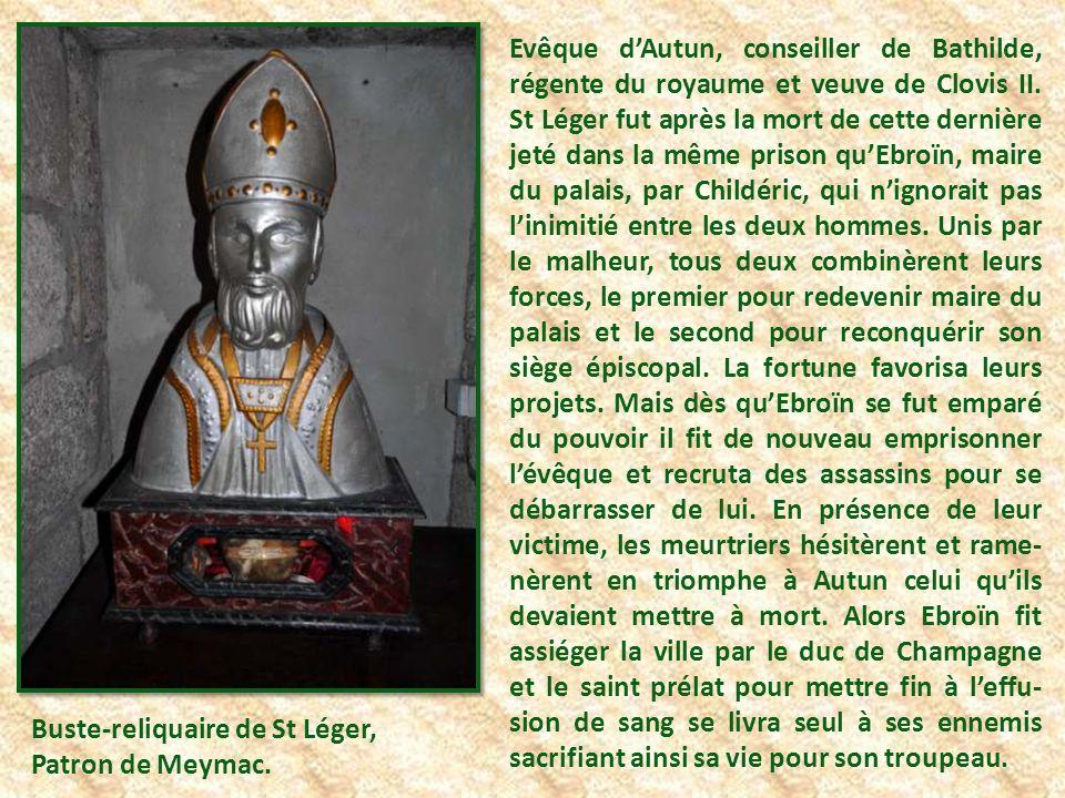 Cette Vierge Noire, orgueil et pro- tection de la ville, date du XIIème siècle.