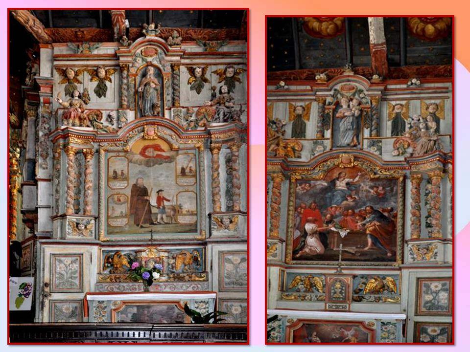 Panneau central du retable de l'Assomption : Le tombeau vide avec les douze apôtres, et la Vierge qui monte au ciel.