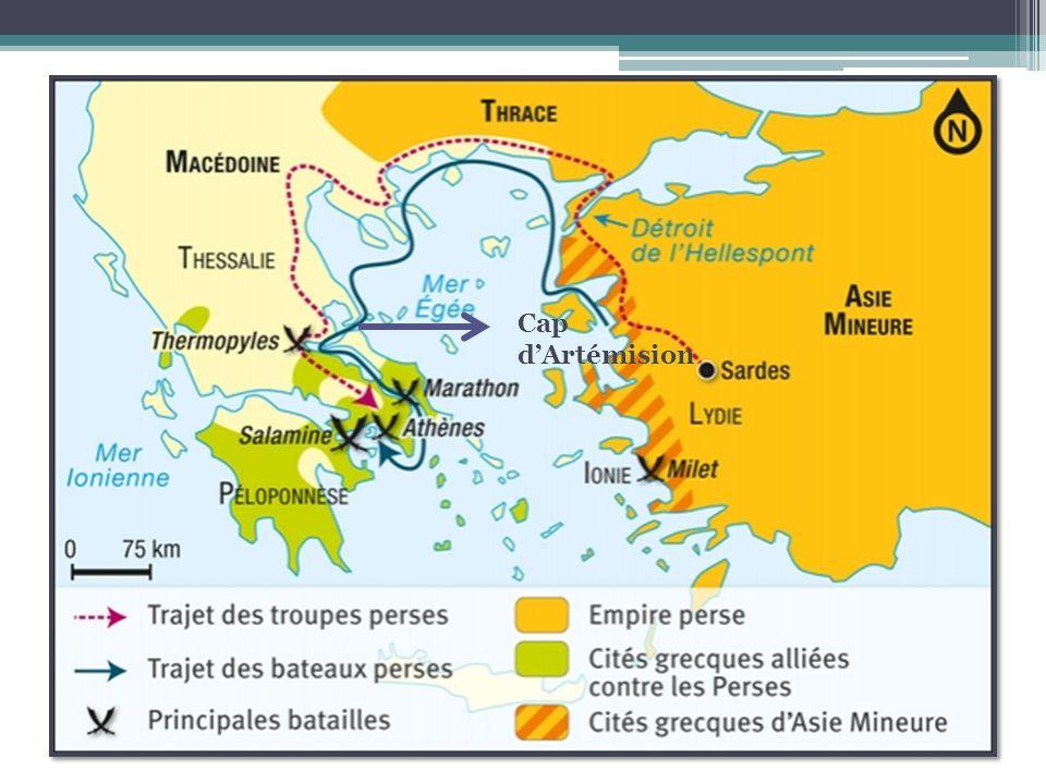 Sur mer, lintervention de Zeus, ou en loccurrence une tempête, aide les Grecs a être victorieux.