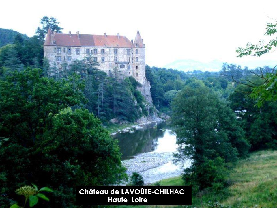 Château de DOMEYRAT Haute Loire