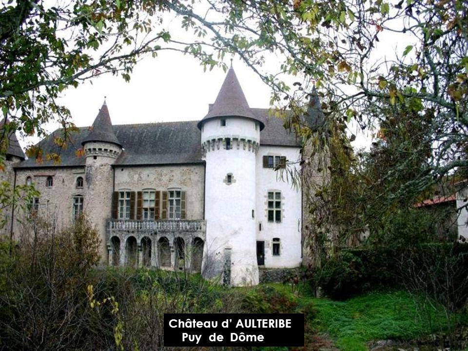 Château de LAVOÛTE-CHILHAC Haute Loire
