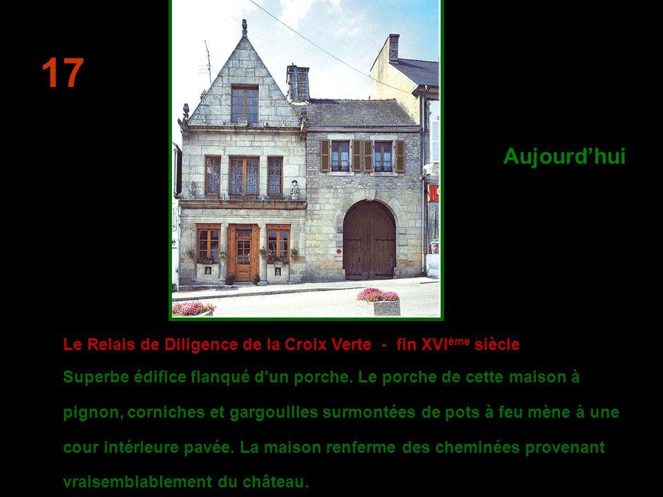 La maison typique de marchand bourgeois - 1620Cette maison Cette maison bourgeoise sélève sur deux étages, séparés par de larges corniches.