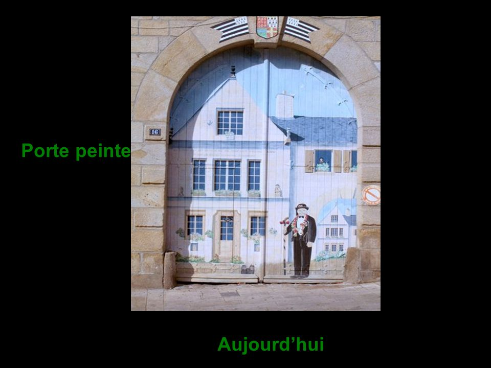Le Relais de Diligence de la Croix Verte - fin XVI ème siècle Superbe édifice flanqué d'un porche. Le porche de cette maison à pignon, corniches et ga
