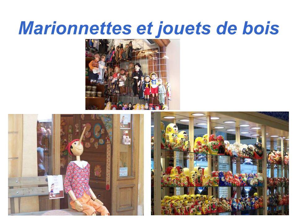 Marionnettes et jouets de bois