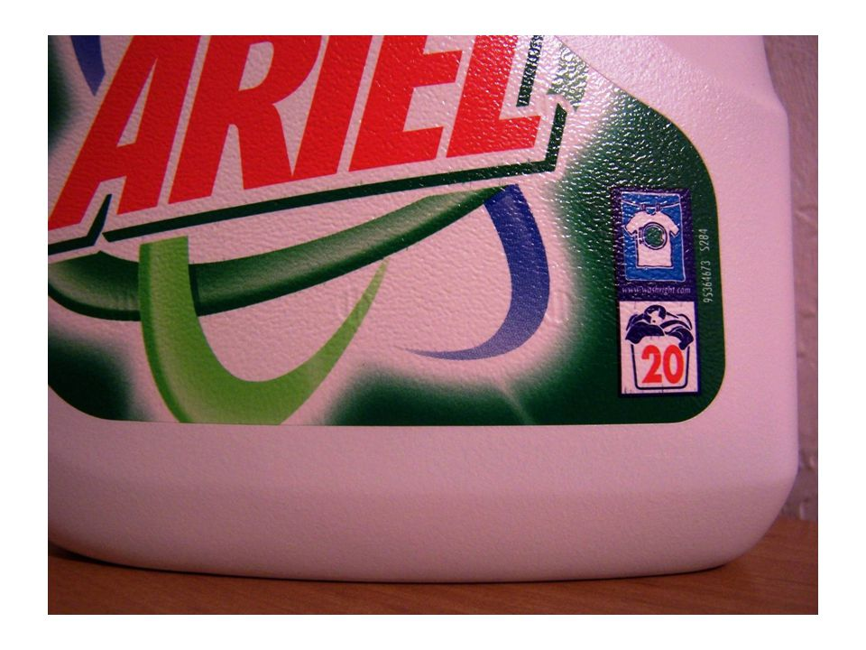 Bilan: Ariel (groupe Procter & Gamble) vient dinventer un nouveau principe mathématique : Considérant un ensemble fini dont le prix reste constant, si lon augmente gratuitement de 10% le produit, le volume passe de 1,5 litre à 1,4 litre Le nombre de lavages augmente de 20 à 18+2 … Il vous reste à conclure...