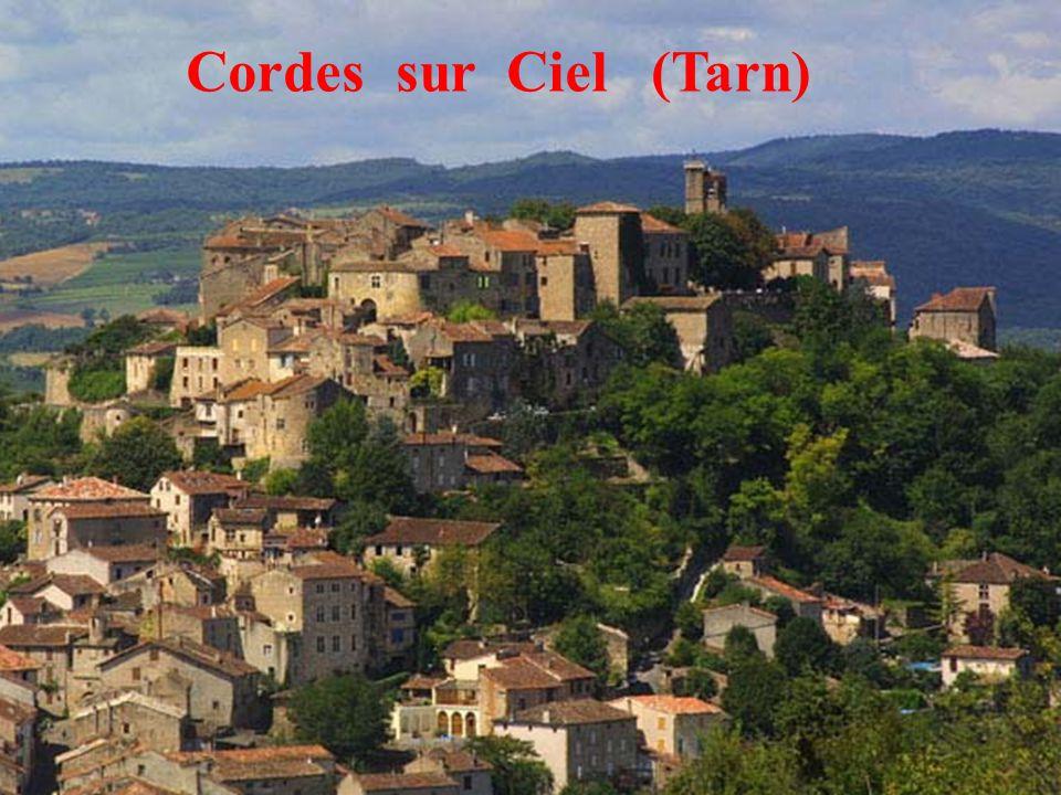 14 Cordes sur Ciel (Tarn)