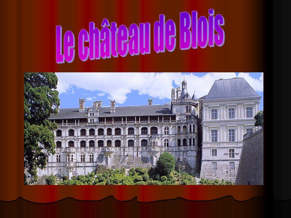 Nos sources http://upload.wikimedia.org/wikipedia/commons/9 /9b/Chateau_de_Blois_aile_LouisXII.JPG http://upload.wikimedia.org/wikipedia/commons/9 /9b/Chateau_de_Blois_aile_LouisXII.JPG http://www.linternaute.com/sortir/monument/doss ier/chateaux-de-la-loire/images/chateau- blois.jpg http://www.linternaute.com/sortir/monument/doss ier/chateaux-de-la-loire/images/chateau- blois.jpg http://www.37- online.net/chateaux/photos/photos_blois/blois1.j pg http://www.37- online.net/chateaux/photos/photos_blois/blois1.j pg http://www.mtholyoke.edu/projects/lrc/french/cast le/html/blois/architecture.html http://www.mtholyoke.edu/projects/lrc/french/cast le/html/blois/architecture.html