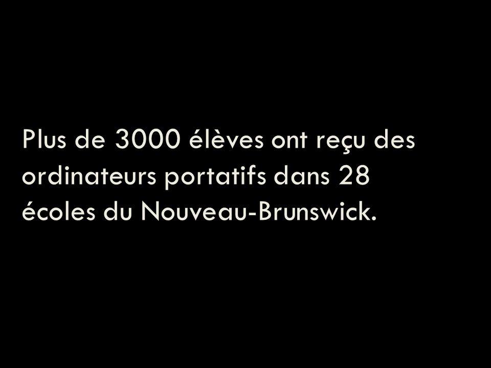 Plus de 3000 élèves ont reçu des ordinateurs portatifs dans 28 écoles du Nouveau-Brunswick.