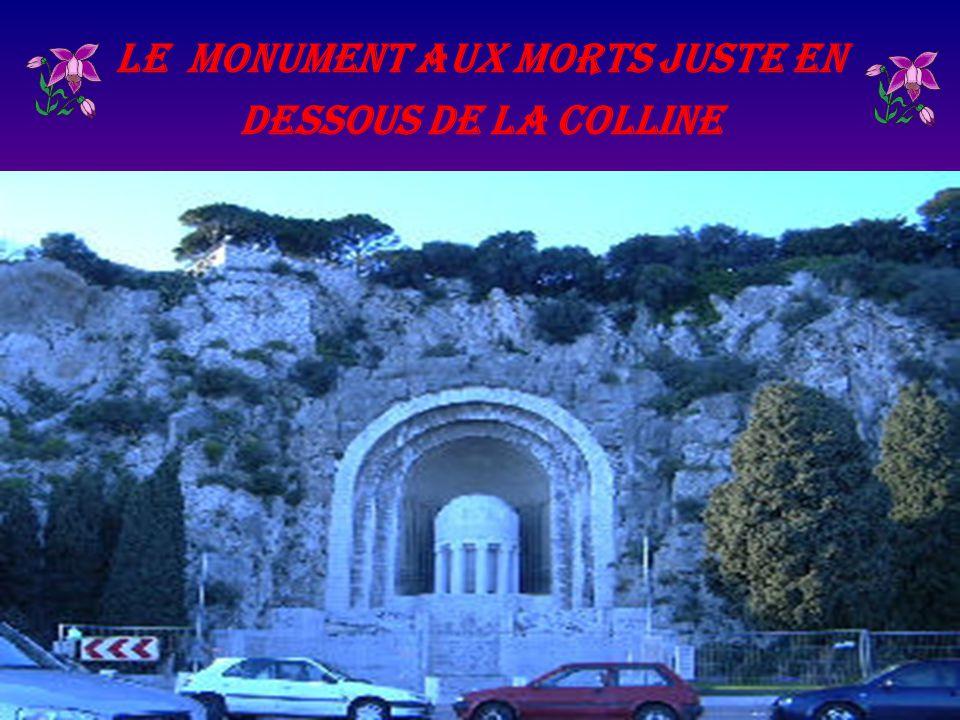 Le monument aux morts juste en dessous de la colline