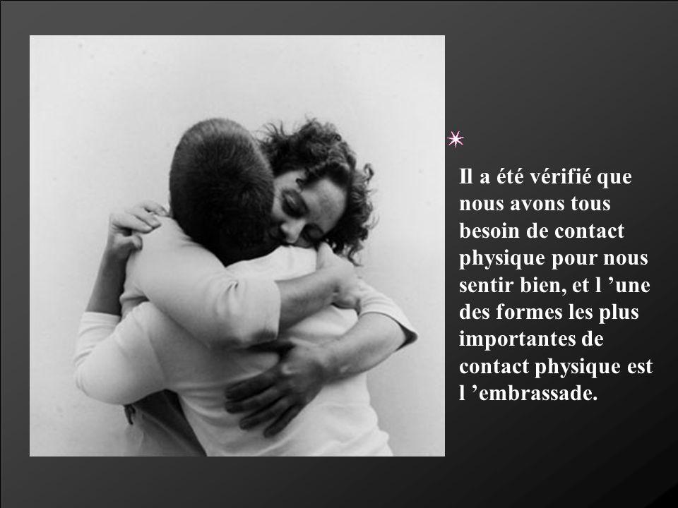 Quand nous nous touchons et que nous nous embrassons, nous portons vie à nos sens et nous réafirmons la confiance en nos propres sentiments.