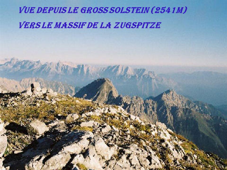 Vue depuis le Gross Solstein (2541m) vers le massif de la Zugspitze