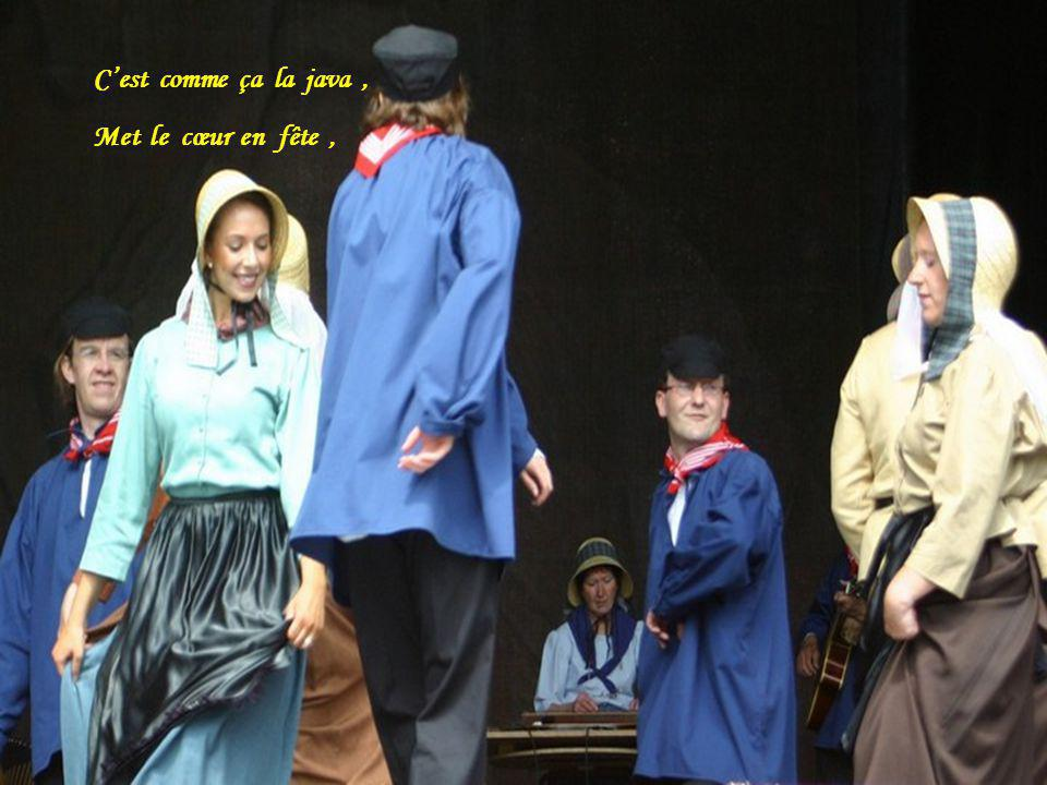 Depuis longtemps la java, Dans les bals musette, Nous fait guincher, Et passer de joyeux moments,
