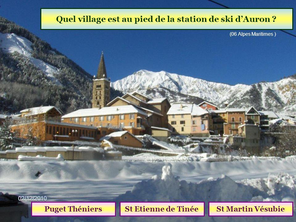 Quel col relie St Etienne de Tinée à Jausiers ? Col de la CayolleCol de RestefondCol de Vars (altitude 2680 m)