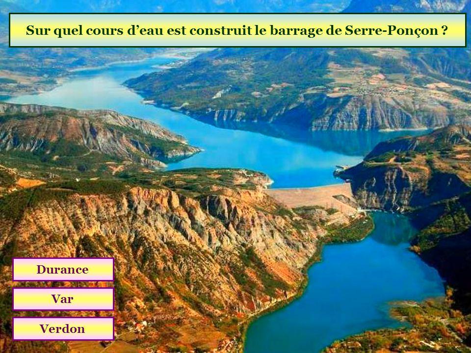 Quelle est laltitude de la montagne de Lure ? 1826 m2126 m2426 m (04 Alpes de Haute-Provence)