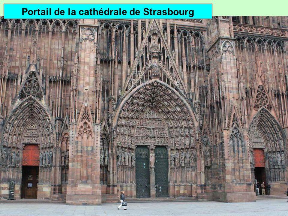 Portail gothique Linteau Trumeau Voussure Tympan (Cathédrale Notre-Dame de Paris)