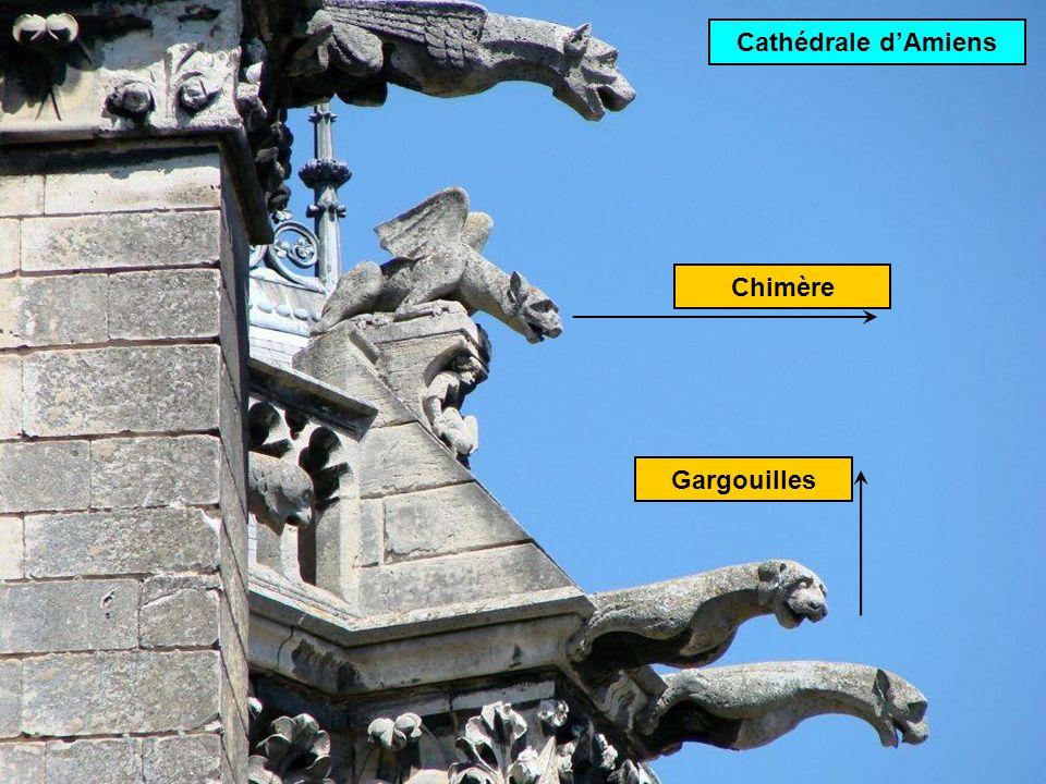 Chimère: statue décorative située sur les points hauts Cathédrale ND de Paris