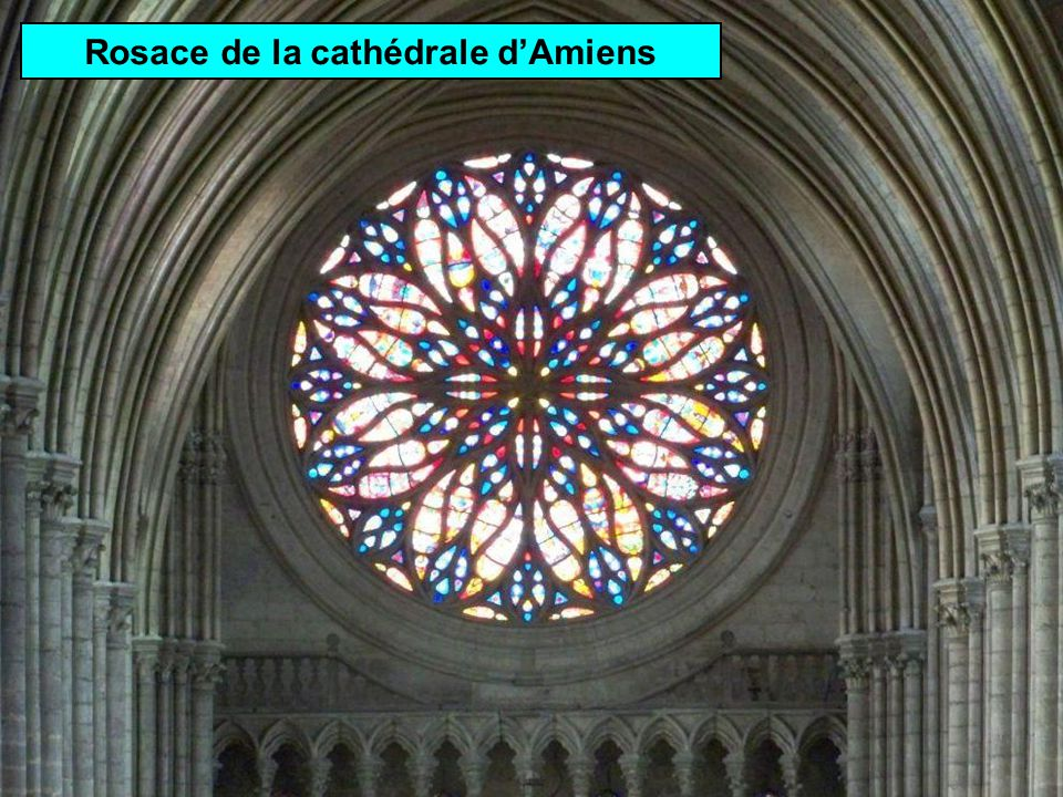 Style gothique Cathédrale Notre-Dame dAmiens ( département de la Somme)